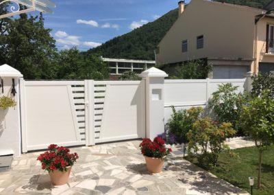 Portail battant et clôture en aluminium à Lourdes